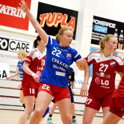 jessika gammals (22) och johanna hilli (27). HIFK-Dicken 4.3.2015