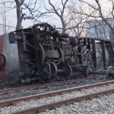 Kaatunut junanvaunu.