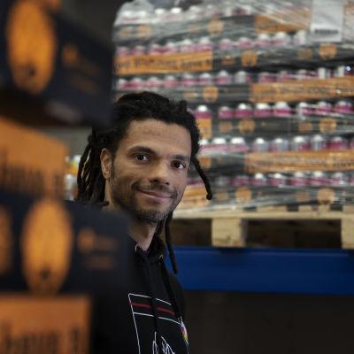 Cleber Goncalves grundade Coolhead 2016. Då var han företagets enda anställda. Nu jobbar åtta personer på bryggeriet.