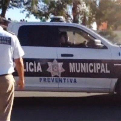 Poliiseja Cancúnissa tiistaisen ammuskelun jälkeen.
