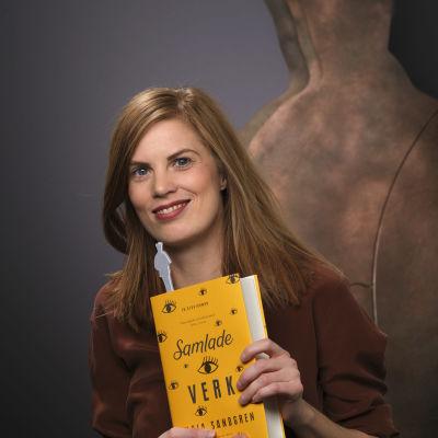 Lydia Sandgren ler mot kameran