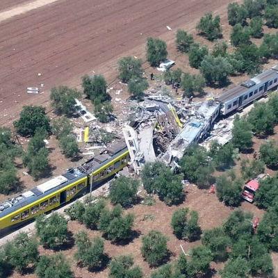 Tågkrasch mellan städerna Corato och Andria i södra Italien.