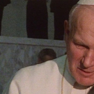 Paavi Johannes Paavali II Ulkolinja: Vatikaanin vallan jakajat -ohjelmassa vuonna 1985