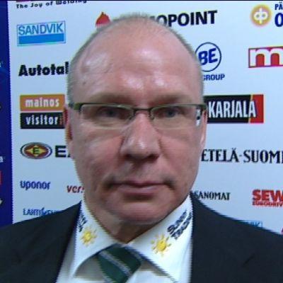 Sakari Pietilä inverjuas.
