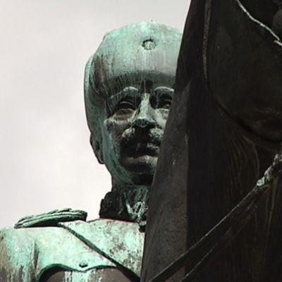 Mannerheimstatyn i Helsingfors.