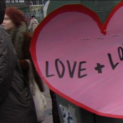 En demonstration för en liberalare kyrka ordnades i Helsingfors på fredagen