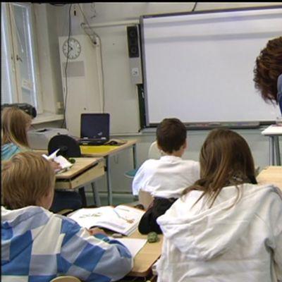 Skolgångsbiträde i skola