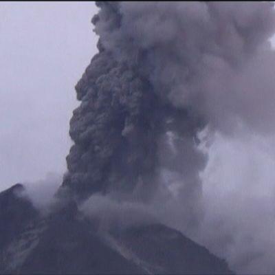 Vulkanen Sinabung har utbrott november 2013