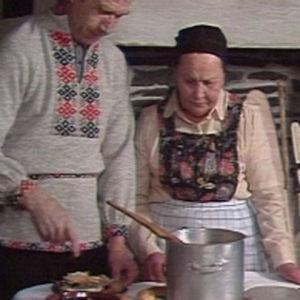 Kalakeiton valmistusta