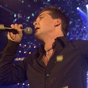 Geir Rönning esiintymässä Suomen euroviisukarsinnassa 2005