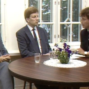 Lauri Ihalainen ja Esko Aho kertovat neuvotteluista.