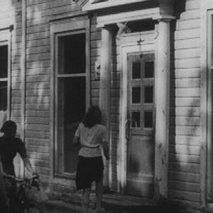 Valkolan talon piharakennuksessa sijaitsi Keuruun ensimmäinen postitoimisto, kauppahuone ja ensimmäinen kansakoulu
