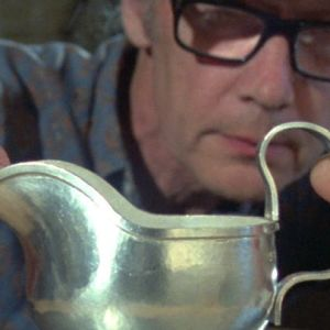 Hopeaseppä Bertel Gardberg ja hopeakannu 1982.