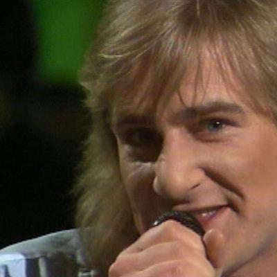 Riki Sorsa laulaa Reggae Ok -laulua Euroviisujen Suomen karsinnassa 1981