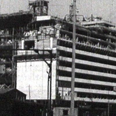 Hotelli Palace rakenteilla.
