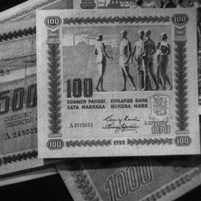 Vanhoja markka-seteleitä.