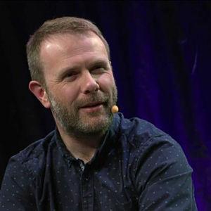 Kirjailija Andrew Michael Hurley