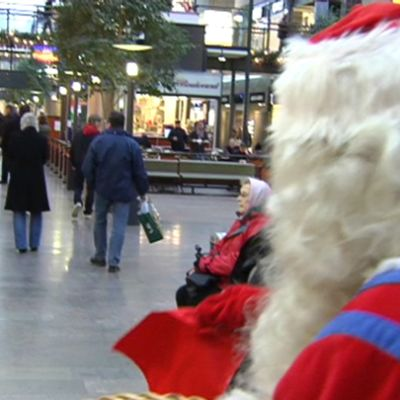 Julgubben på köpcenter