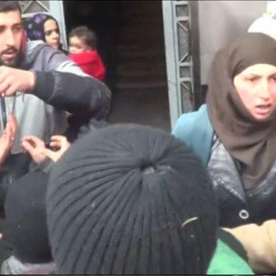 Madayassa jaettiin suolaa ruokapulasta kärsiville ihmisille.