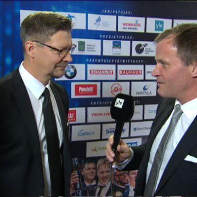 Tommi Mäkinen haastattelee Jukka Jalosta.