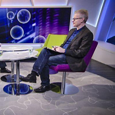 Juha Hietasen kanssa pörssistä keskustelivat toimitusjohtajat Sari Lounasmeri sekä Antti Lahtinen.