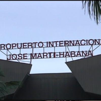 Kuvassa Havannan lentokenttäterminaali.