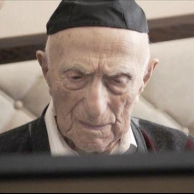 Kuvassa maailman vanhin mies Israel Kristal, joka on 112-vuotias.