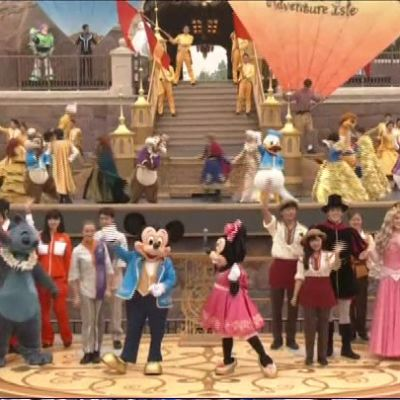 Uutisvideot: Shanghain Disney-puisto avautui