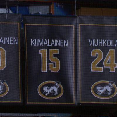Markku Kiimalaisen pelipaita kuvassa