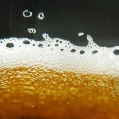 Olutta lasissa