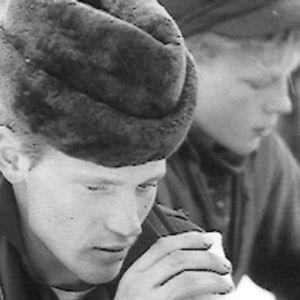 Metsätyömies kahvitauolla 1966.