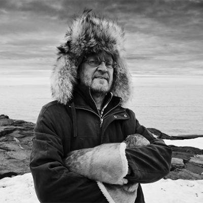 Elokuvaohjaaja Jouko Aaltosen muotokuva.
