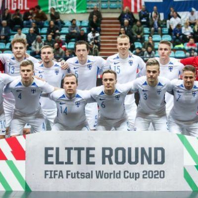 Näin Suomen futsalmiehet järkyttivät MM-karsinnassa suursuosikki Italiaa