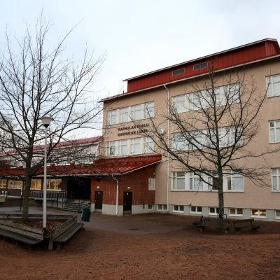 Karhulan koulu ja lukio