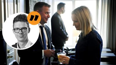 Porträtt på Magnus Swanljung utanpå en bild föreställande samlingspartiets ordförande petteri orpo och sannfinländarnas ordförande riikka purra.