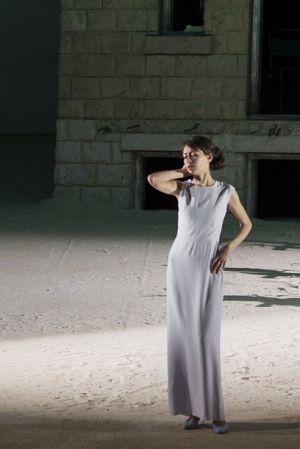 Elena Galitskaja Eurydiken roolissa. Lyonin ooppera 2015.