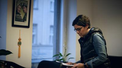 Birgitta Lindholm på kontoret.