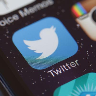 Twitter-ikon på en mobiltelefon