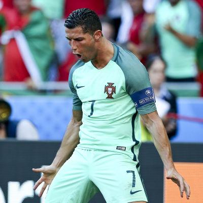 Christiano Ronaldo firar mål i fotbolls-EM 2016.