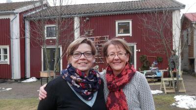 Gunborg Henriksson och Ann-Christine Ahlfors arbetar på skattebyrån i Jakobstad