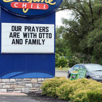 Otto Warmbiers hemstad Cincinnati engagerar sig i hans hälsotillstånd.