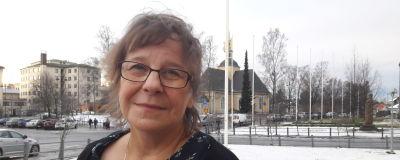 Psykoterapeut Ireeni Finnholm, ledare för beroendevården på beroendevårdskliniken i Jakobstad.