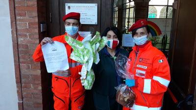 Caritas volontärer hjälper utsatta under coronaepidemin i Italien.