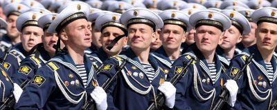 Ryssland firar segerdagen med traditionsenlig militärparad.