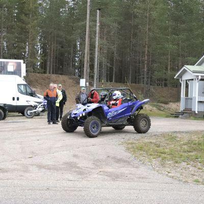Yamaha-traktorimönkijä Hyrynsalmen ajoharjoitteluradalla