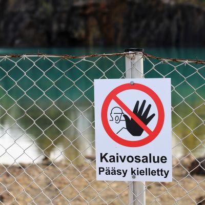 Pääsy kielletty Orijärven kaivoksen aidassa