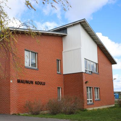 Ruskon Maunun koulu.