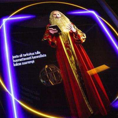 L3DNARDO DA VINCI -näyttely Kuopion museossa. Leonardo esiinyy kuvitteellisesti Hologrammina näyttelyssä.