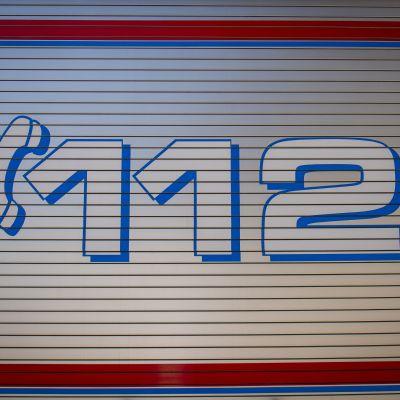 112 numero paloauton kyljessä