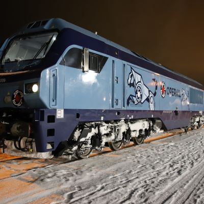 Operail Finlandin tavarajuna Kouvolan Teholassa.